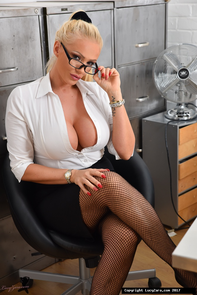lucyzara directory pages 010818 glamour561 001