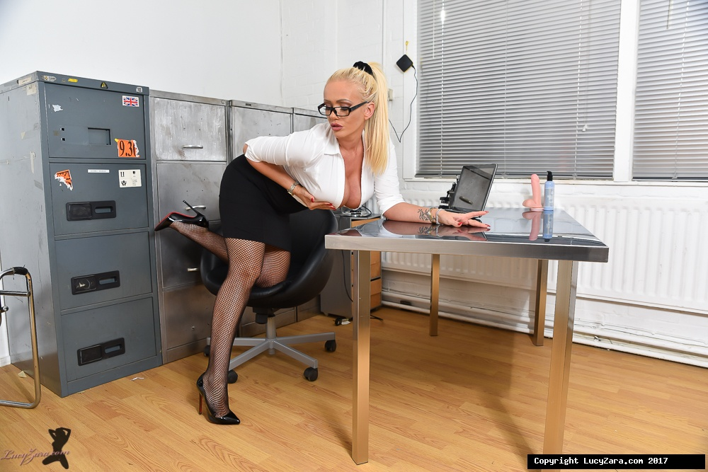 lucyzara directory pages 010818 glamour561 003