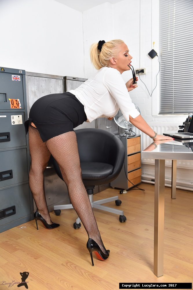 lucyzara directory pages 010818 glamour561 006