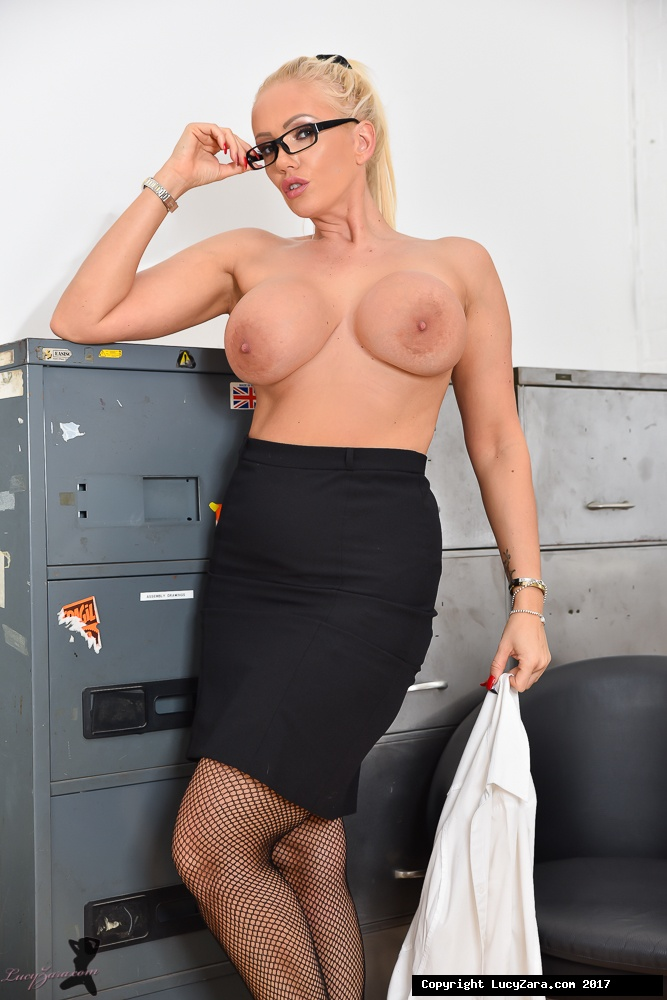 lucyzara directory pages 010818 glamour561 007