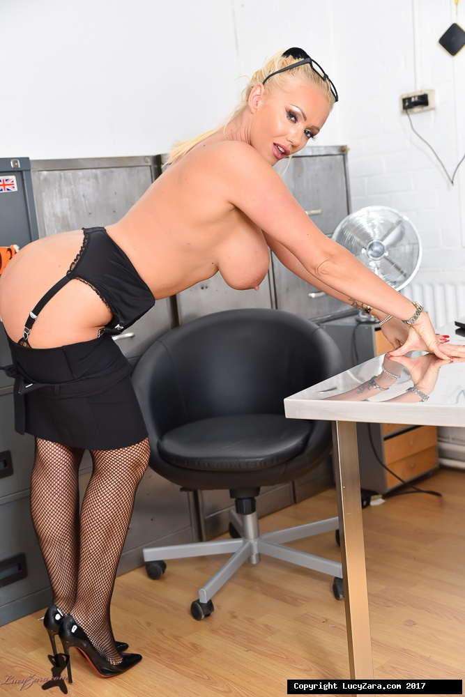 lucyzara directory pages 010818 glamour561 008