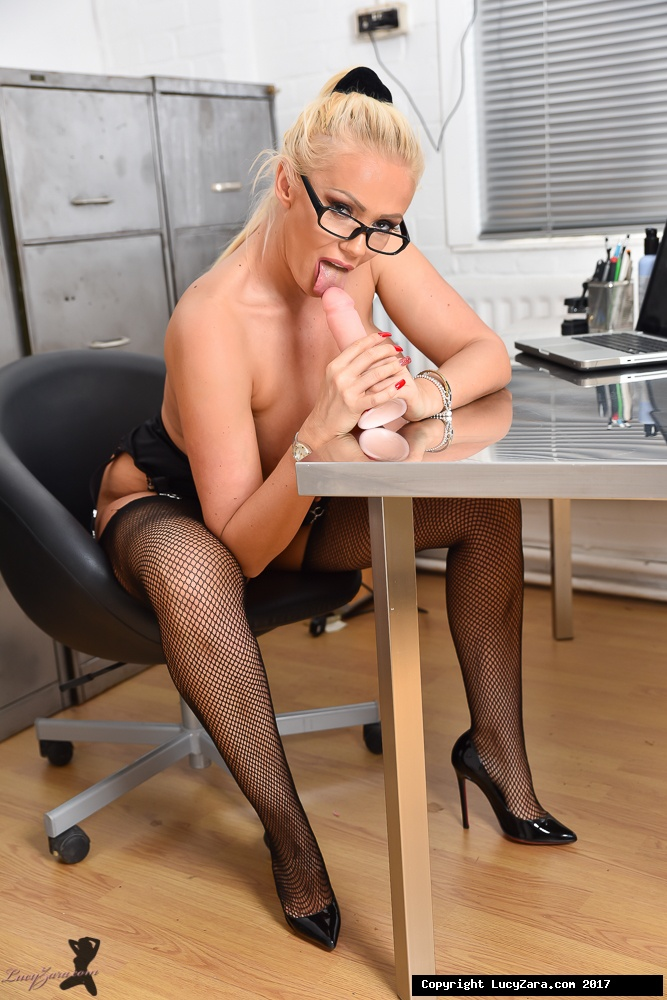 lucyzara directory pages 010818 glamour561 013